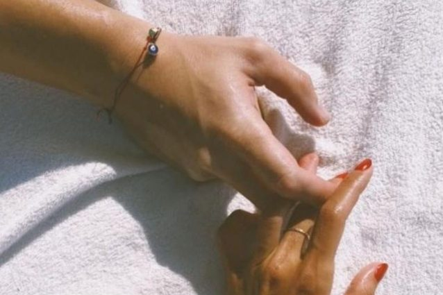 hande-ercel-e-kerem-bürsin,-la-coppia-di-love-is-in-the-air-continua-a-fare-innamorare-tutti