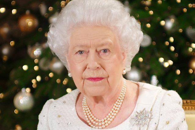 la-morte-della-regina-elisabetta-ii-e-l'operazione-london-bridge:-social-a-lutto-e-carlo-diventa-re