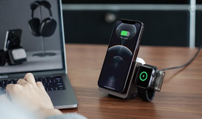 il-dock-che-cambia-forma-per-ricaricare-iphone,-airpods-e-apple-watch