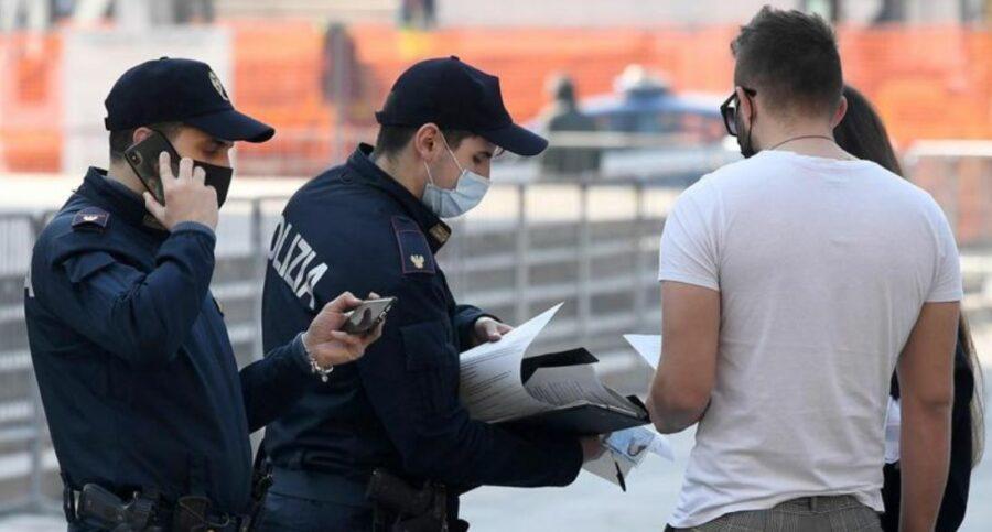 polizia,-dopo-il-caso-schiliro-circolare-agli-agenti:-«no-a-dubbi-sui-vaccini,-obbligo-di-green-pass»