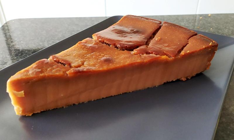 castagnaccio,-il-tradizionale-dolce-autunnale-pronto-in-pochi-minuti-e-con-3-ingredienti