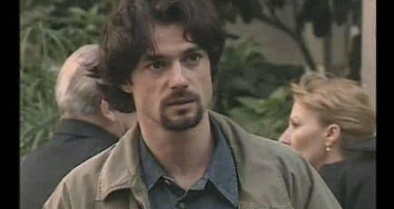 e-l'attore-di-una-soap-opera-molto-amata,-qui-era-giovanissimo:-l'avete-riconosciuto?