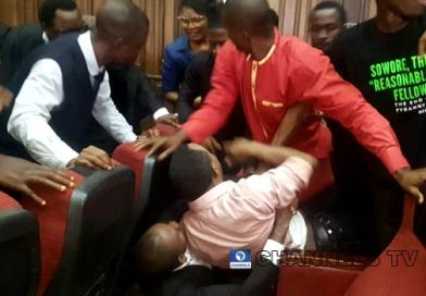 Commotion inside Abuja courtroom as DSS re-arrests Sowore