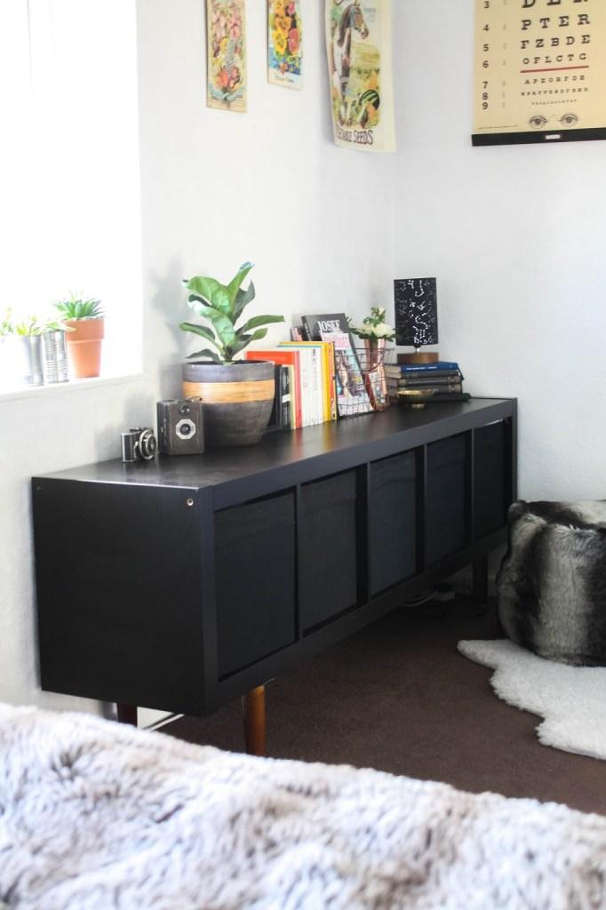 IKEA hack: Kallax with legs