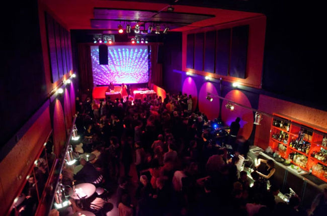 image taken from ClubZone of The Fox Cabaret