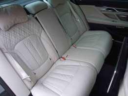 BMW-740Ld-xDrive_interior_5