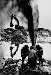 SALGADO SALGADO_1993_post gulf war1_Gisement de pétrole du Grand Burhan