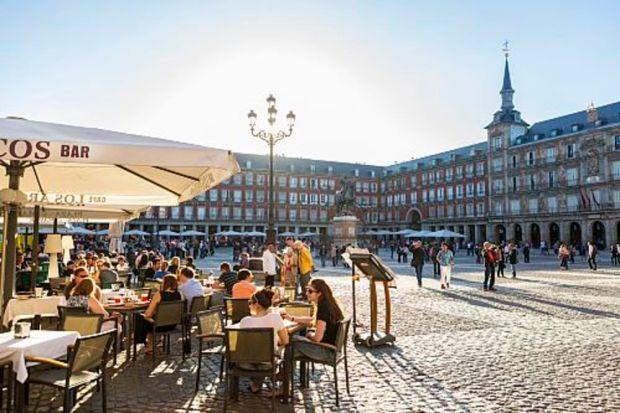 Foto de la Plaza Mayor en la ciudad de Madrid