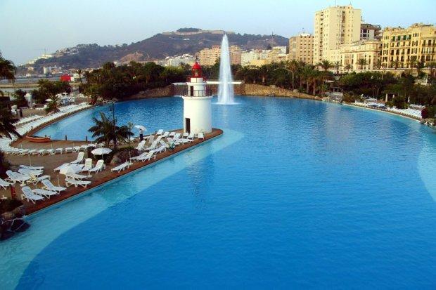 parque maritimo del mediterraneo de la ciudad de ceuta