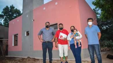 Photo of Dos familias más recibieron casa