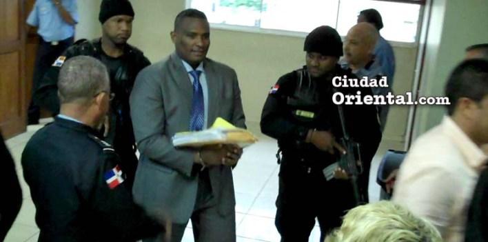 Fernández Valerio al salir del tribunal.