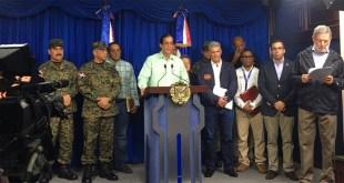 Funcionarios hablan al país por posibles efectos del huracán Matthew