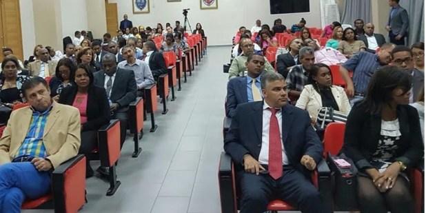 Asistente a la actividad en el Paraninfo de Ciencias Juridicas de la UASD