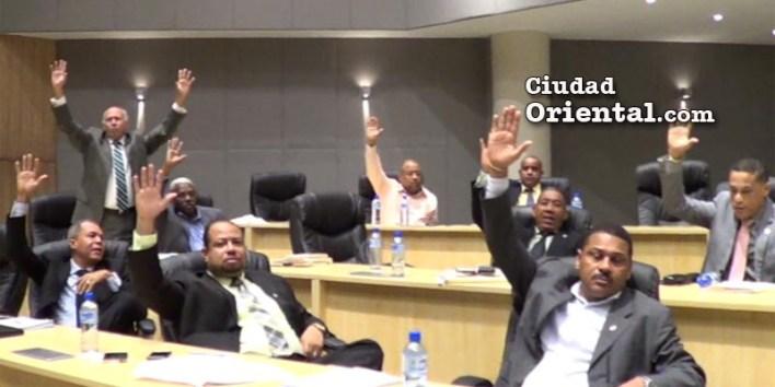 Regidoers votan por la suspensión de los trabajos de instalación de las plantas de AES en Los Mina