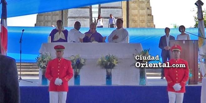 Misa a Juancito en el Faro a Colón