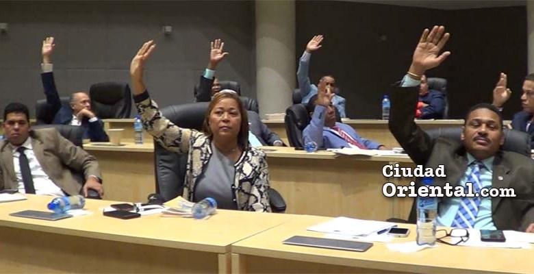 Regidores ASDE votan resolución pide al Congreso Nacional eliminar figura de suplente