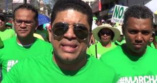 Dio Astacio durante la marcha contra la corrupción