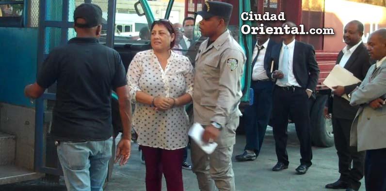 Aplazada coerción mujer estafaba con falsa asignación apartamentos Ciudad Juan Bosch