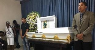 Perredeístas montan guardia de honor ante el cadaver de Daniel Castillo