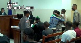Los tres imputados se abrazaron al escuchar la sentencia