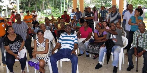 Miembros de la Vecinos de Villa Faro