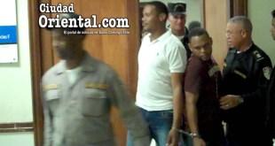 Los condenados al ser sacados del tribunal