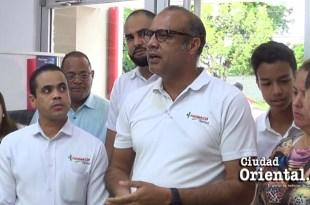Zoilo Batista durante la inauguración de la farmacia Patrizo en la avenida Coronel Fernández Domínguez