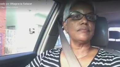 """Photo of Vídeo – Altagracia Salazar convierte su """"Crónica del Tapón"""" en fenómeno de popularidad"""