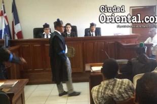 El fiscal Pedro Medina, interroga uno de los testigos en el Juicio de Fondo