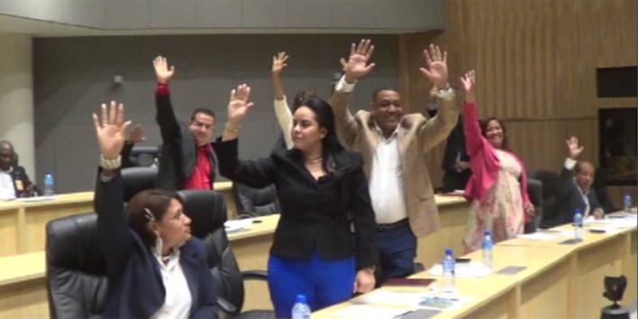 Regidores votan entusiasmados la designación de Benito González