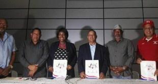 De izquierda a derecha: Alfonso Báez, Ney Lora, Mania Gallard, Manuel Nin, Tolben Jaquez y Rubén de los Santos