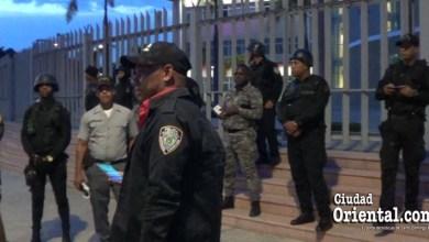 """Photo of Con la fuerza policial fue """"protegido"""" de los verdes el Palacio Municipal"""