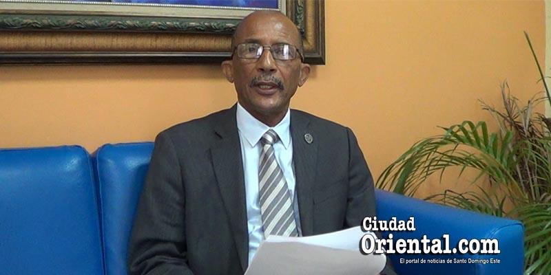 """Vicerrector Extensión somete propuesta acabaría campañas """"tipo presidenciales"""" de la UASD"""
