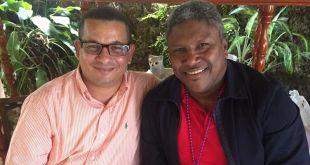 Domingo Jiménez (d), junto a su amigo Victor Fernández