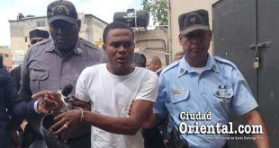 Nieve Luis Sierra Gómez es conducido por escoltas de la Policía Judicial (Foto archivo de Ciudad Oriental ).