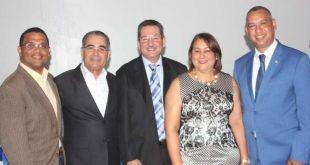 Aléxis Jiménez, en el extremo derecho