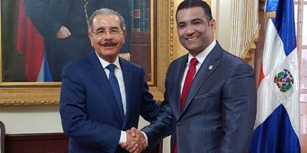 Danilo Medina (i) y Luis Alberto Tejeda