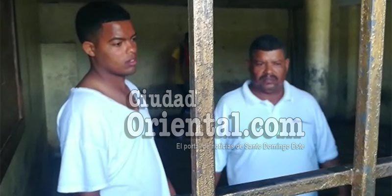 Primeras imágenes del padre y su hijo policía acusados de cometer matanza en El Almirante+ Vídeo