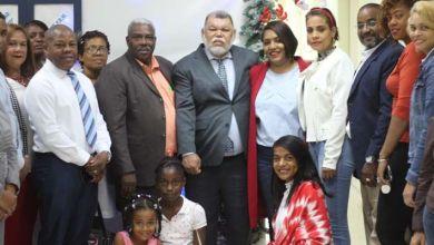 Photo of Bloque Regidores PRM en SDE enciende arbolito de Navidad