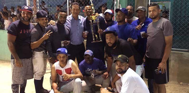 Los equipos Estrellas de Kelvin y Los Chamaquitos se coronaron campeones.