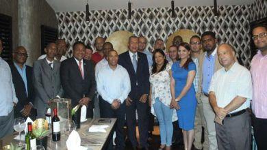 Photo of Joselito Echavarría muestra a sus aliados en la Circunscripción 1