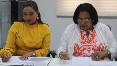 Photo of SeNaSa firma acuerdo con la Sociedad Dominicana de Medicina Familiar y Comunitaria