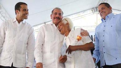Photo of Danilo Medina entregará hoy títulos definitivos hoy en La Vega