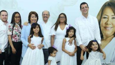 Photo of Jacinta Estévez aboga por unidad familiar en cierre de campaña