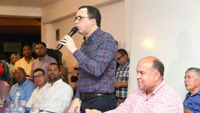 Photo of Andrés Navarro afirma que Gonzalo Castillo garantiza acelerar el proceso de desarrollo que vive nuestro país