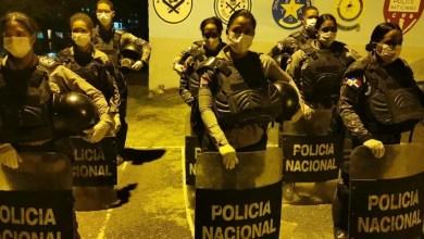 Photo of PN incorpora mujeres tácticas a operativos durante toque de queda