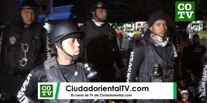Policías dominicanos van a las calles en medio de la crisis del coronavirus sin ningun tipo de protección para evitar posible contagio