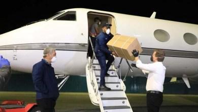 Photo of Llega avión con insumos sanitarios prometidos por Gonzalo Castillo para combatir el Covid-19