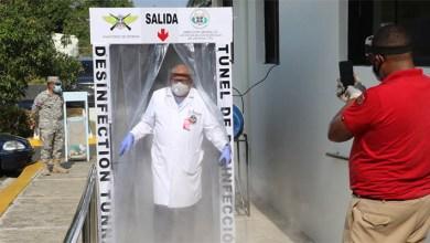 Photo of Ministerio de Defensa instala en el Hospital Militar Docente FARD «Dr. Ramón de Lara» túnel de desinfección ante COVID-19