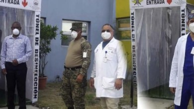 Photo of Instalan cabina de desinfección en hospital Doctor Darío Contreras